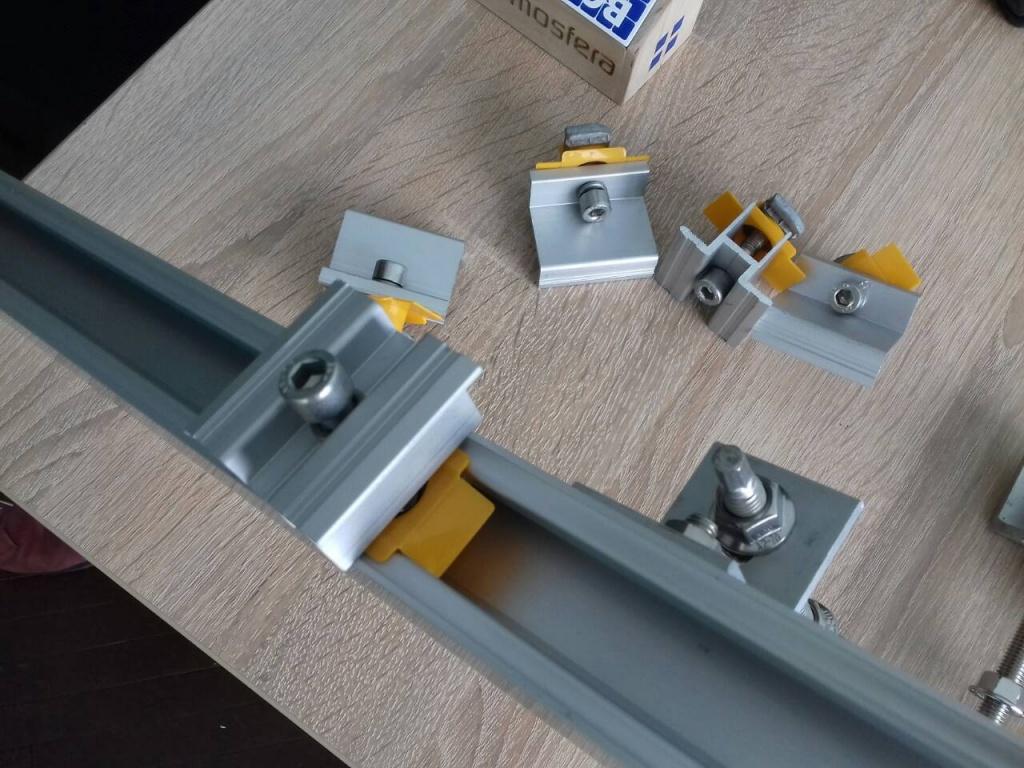 алюминиевый профиль крепления Kripter для установки солнечных батарей на кровлю